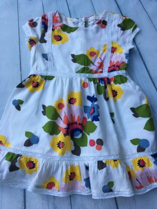 Mini Boden floral dress age 2-3 (small repair)
